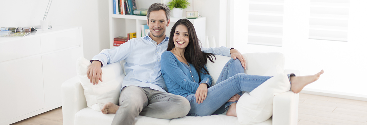 Couple needs homeowners insurance or renters insurance.